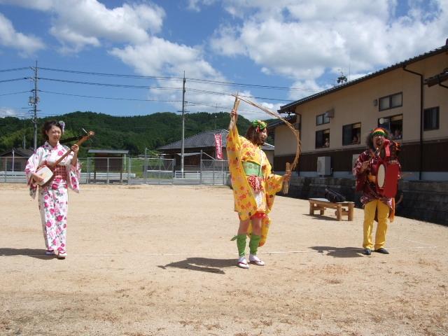 NEOチンドン☆チロル堂@岡山県打穴西にぎやか祭り