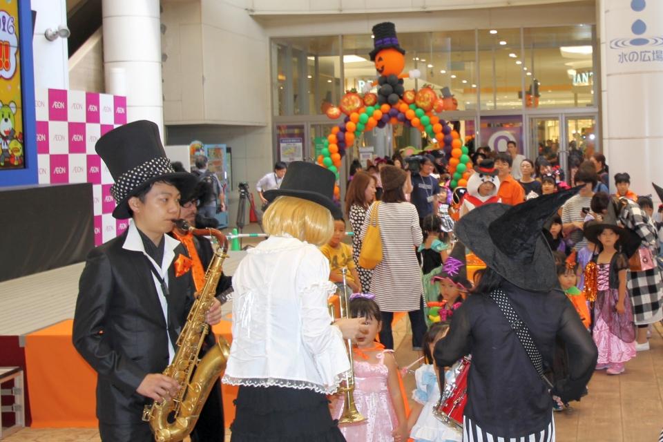 NEOチンドン☆チロル堂@KYTハッピーハロウィンフェスティバル2016①
